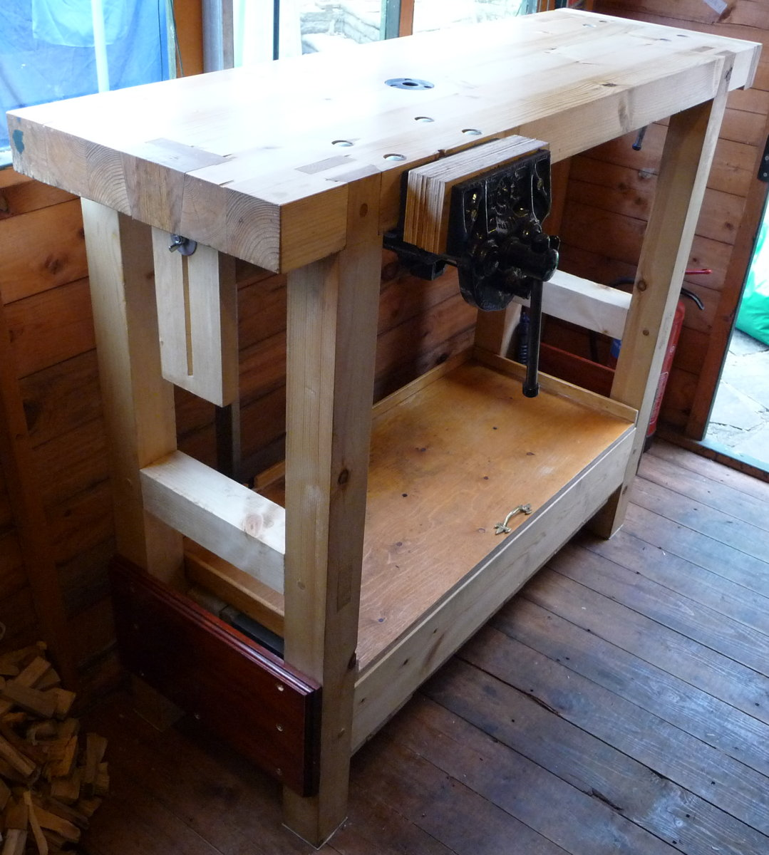 Small Roubo-inspired Pine Workbench
